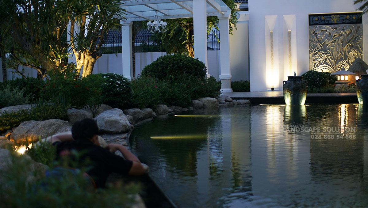 6 Phong Cách Thiết Kế Hồ Cá Koi Đẹp Nhất Cho Sân Vườn Biệt Thự 2019 6-phong-cach-thiet-ke-ho-ca-Koi-dep-nhat-cho-san-vuon-biet-thu-(4)