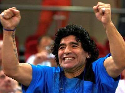 Finding my way::::the RUSH topic - Página 7 Maradona1