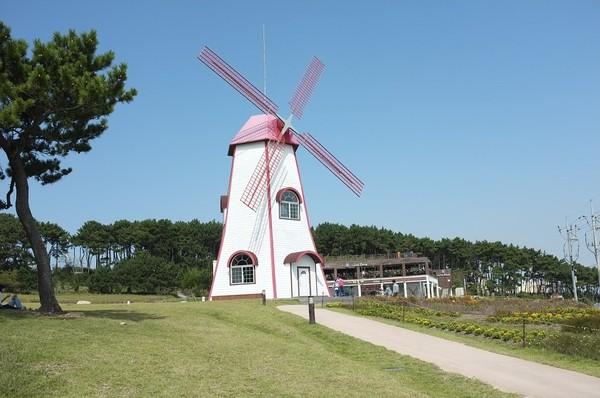 Moulins à vent, moulins à eau  - Page 5 0d338b8e