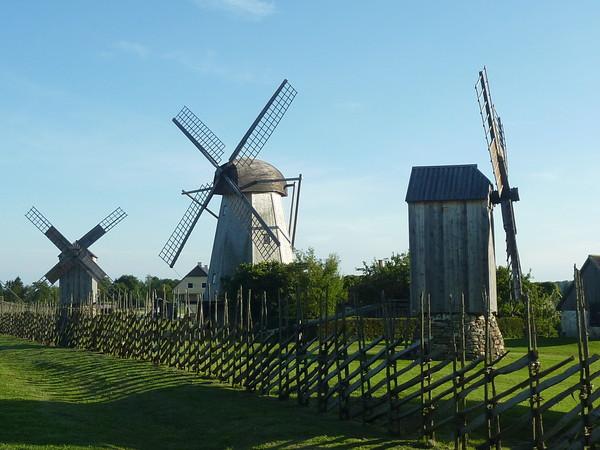 Moulins à vent, moulins à eau  - Page 5 61b9c410