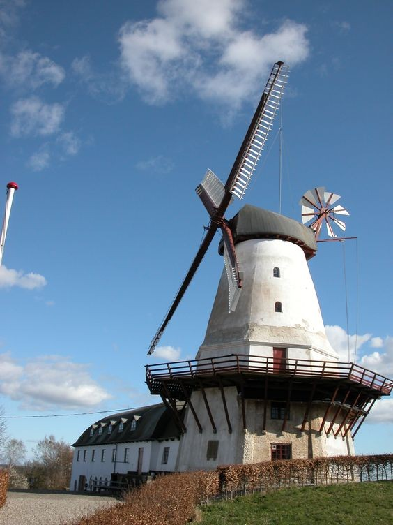 Moulins à vent, moulins à eau  - Page 5 9e39885e