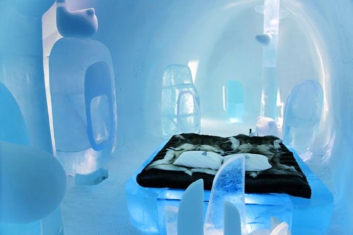 [Jeu] Association d'images - Page 20 Bmw-ice-hotel-1