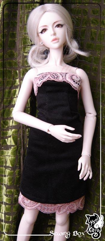 Lysel Katz sewing box > manteau acidulé & flashy p8 - Page 2 LyselSb_camelia-pinklacedress02s