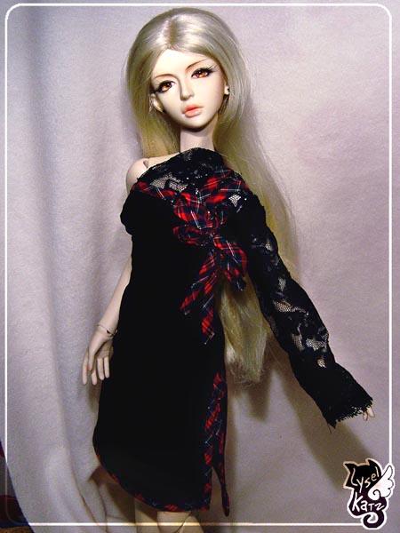 Lysel Katz sewing box > manteau acidulé & flashy p8 - Page 3 LyselSb_camelia-tartanlacedress01s