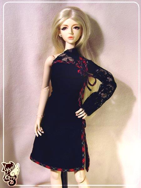 Lysel Katz sewing box > manteau acidulé & flashy p8 - Page 3 LyselSb_camelia-tartanlacedress02s