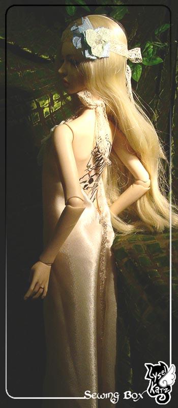 Lysel Katz sewing box > manteau acidulé & flashy p8 LyselSb_camelia-whitedress03s