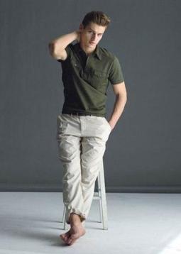Obucite osobu iznad - Page 6 Muska-moda-bez-hlace