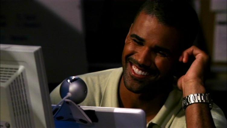 Kedvenc képeink Derek Morganről - Page 3 Derek_smile