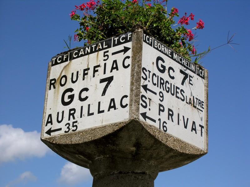 Tour du Cantal 2009 - Page 4 Cros-de-montvert-dscn1042-23