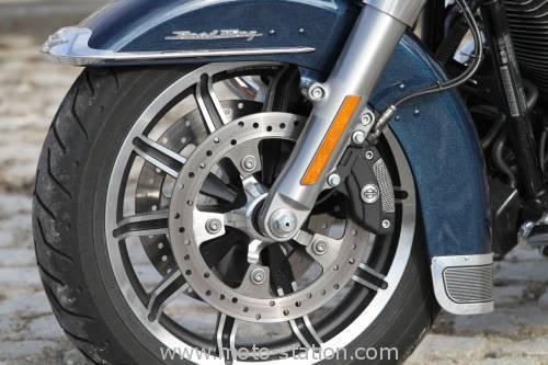 Road King 2015 Harley-davidson-road-king-2016-500x333
