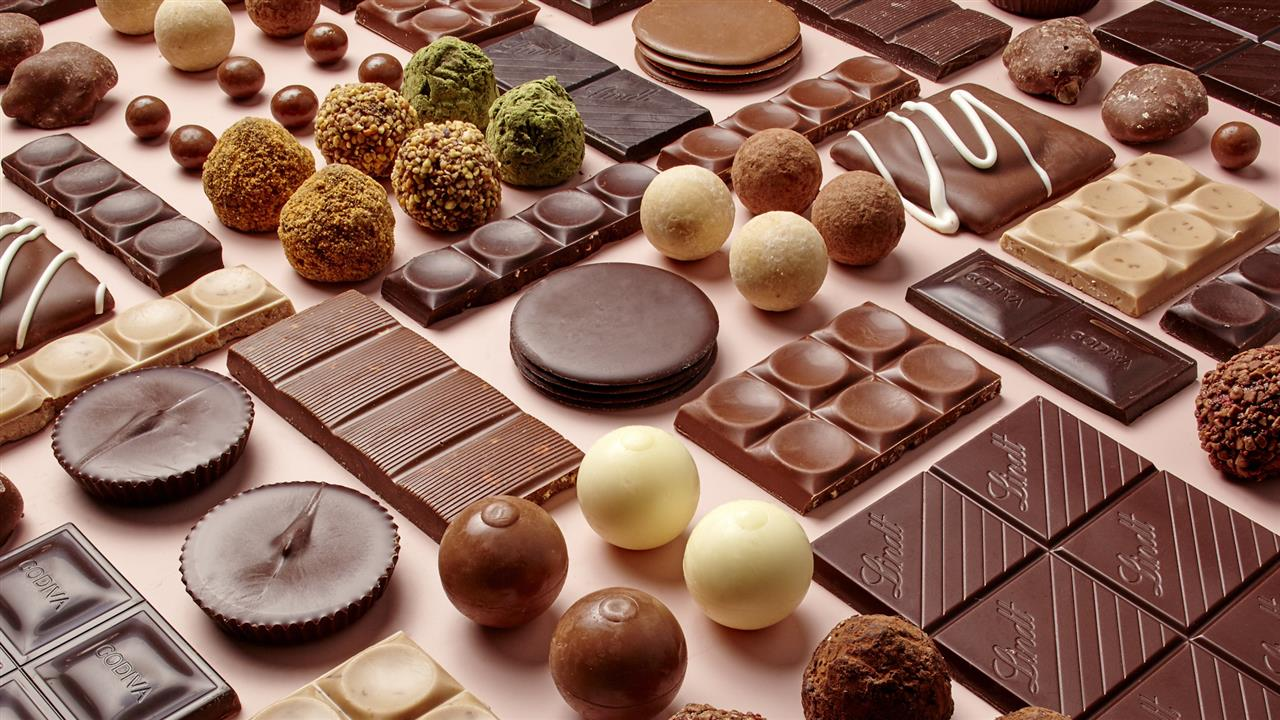 Things you think most people have but you don't - Page 8 121916lunchchocolate_1280x720