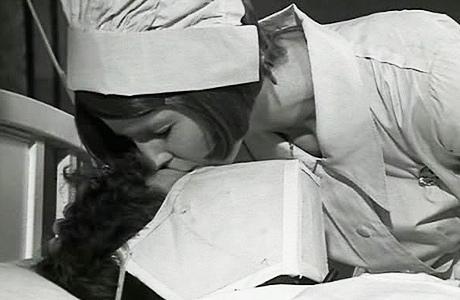 Imagenes cinéfilas - Página 2 Johnny-cogio-su-fusil-vivir-vivir-L-VjqG5O