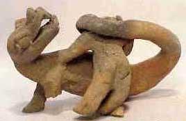 Pierres D'Ica Figurines D'Acambaro FEMME%20FACE%20%C3%80%20UN%20REPTILE
