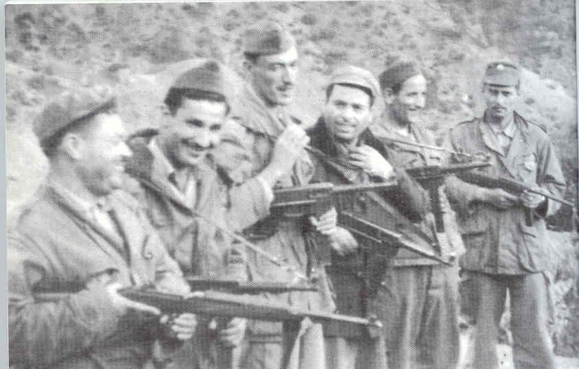 صور بعض الأبطال الذين صنعوا التاريخ Mhamed-Group