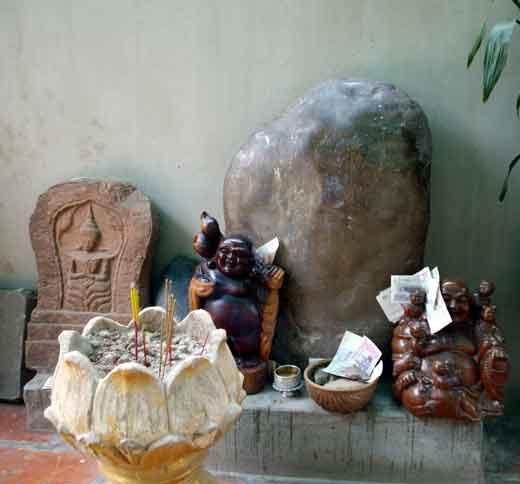 Bouddhisme au Cambodge Pierre-sacre