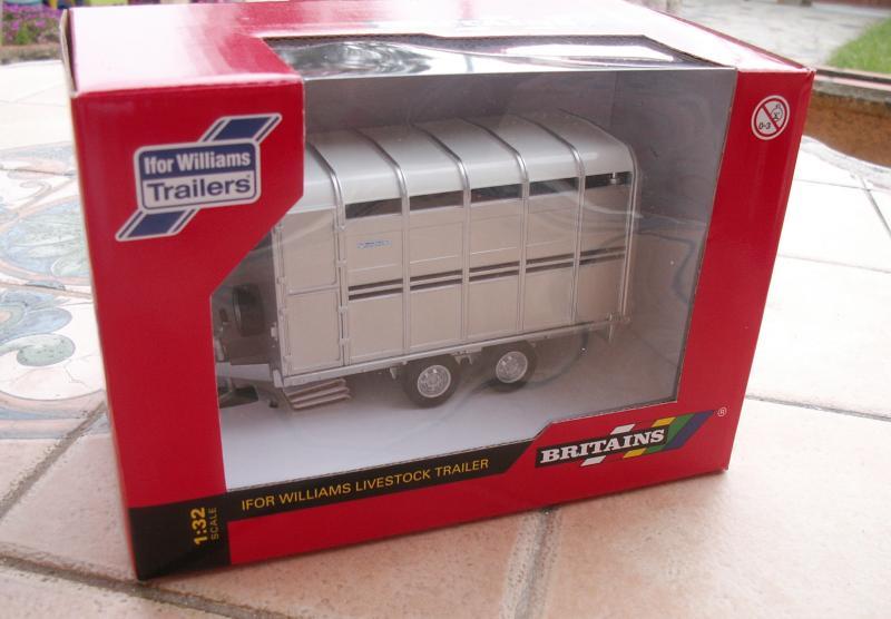 Bétaillère transformée Britains-trailer-01