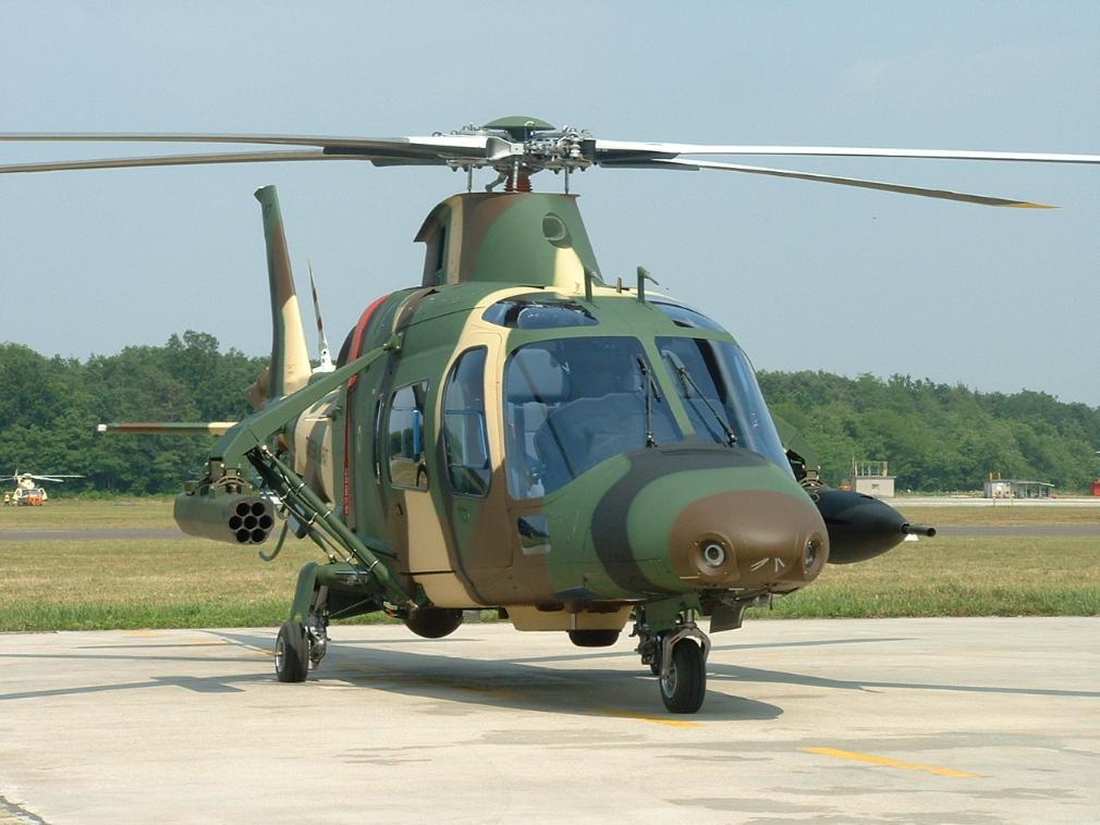 """Nuevo A-109 para """"SEMAR"""" - Página 2 Malaysian-army-agustawestland-a109-loh_01"""