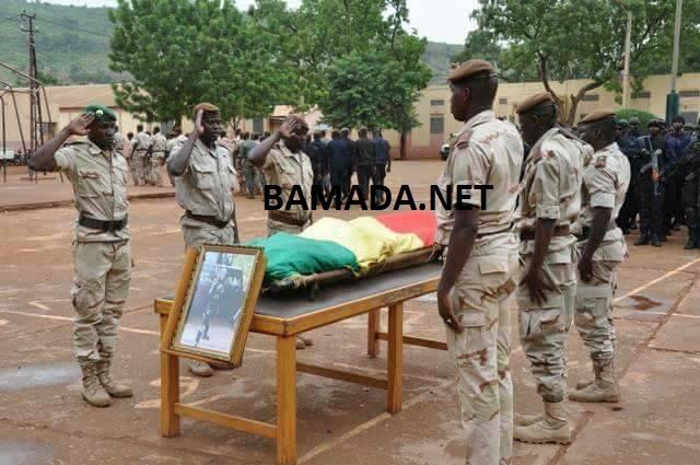 Suivez-nous sur Facebook pour ne rien rater de l'actualité malienne Attaque de Boulkessy : Hommage de la nation malienne aux soldats tombés sur le champ d'honneur  Zami-Kassim-Traore-soldat-militaire-armee-malienne-fama-police-garde-gendarme-tuerie-mort-hommage-deces