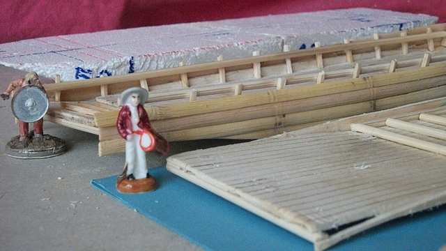 ployage de la levée du plancher de la gabare LoireXIV_charriereCabineArrier0003