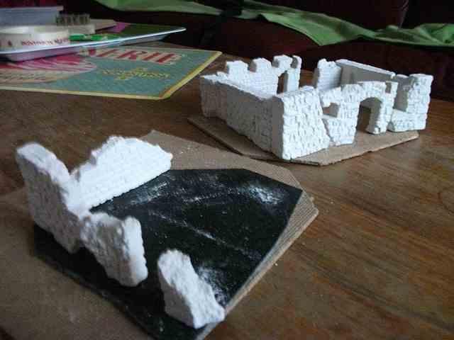 [Tuto] Remparts en plâtre - Moule en polystyrène - Page 2 MuretPlatreMaison_0006