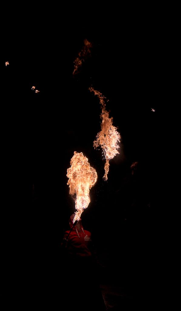 Photos cracheurs de feu - anniversaire 8 ans palais tokyo 21 janvier 2012 - Page 4 2012_Cracheurs_04