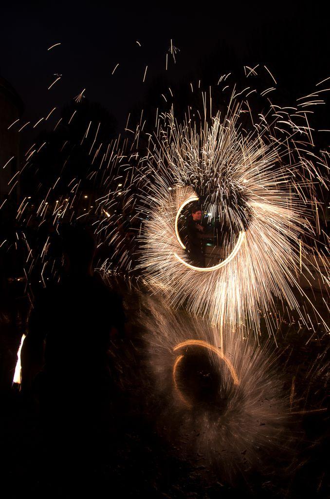 Photos cracheurs de feu - anniversaire 8 ans palais tokyo 21 janvier 2012 - Page 8 2012_Cracheurs_10