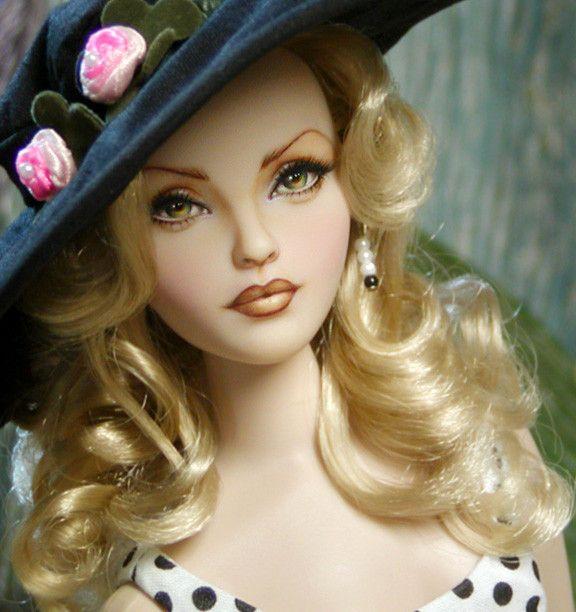 Des jolies poupées  A7969220