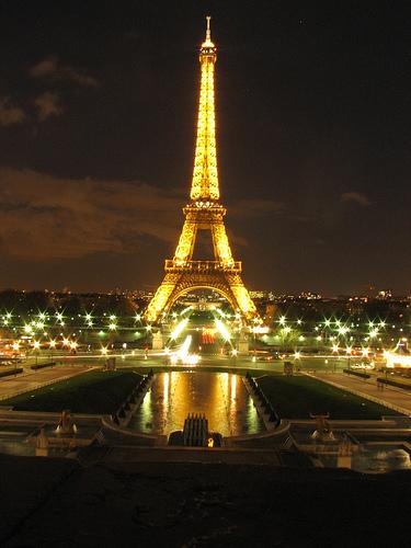 باريس فى كلمتين وصورة Eiffel