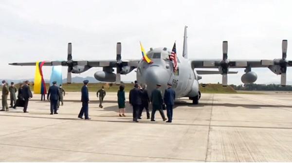 FUERZA AEREA DE COLOMBIA  - Página 18 C-130H_Hercules_FAC-1016_recepcionBogota_06oct2020_1erode3_donadosxEEUU_PresidenciaColombia_01