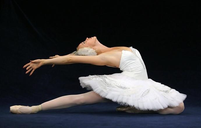 En puntas y a volar Swan-lake-ballet1