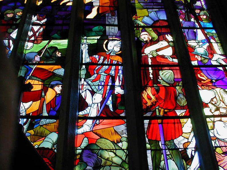 Tombeaux des grands personnages Bretons Vitrail-bataille-detail