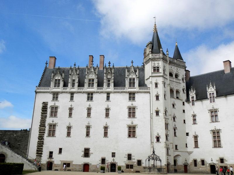 NANTES * NAUNTT * NAONED Chateau-gl-P6210105