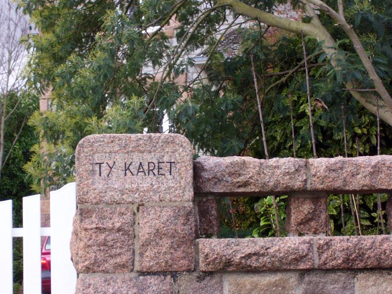 Les noms de maisons en langue bretonne Ty-karet-100_3066