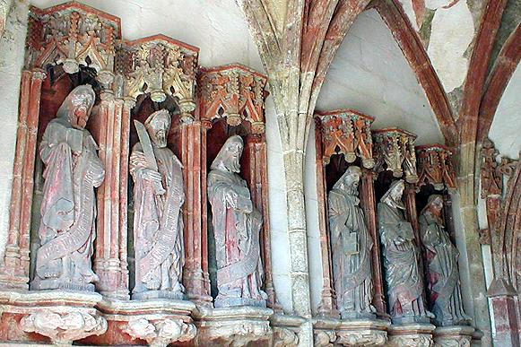 PLONEVEZ-du-FAOU / Plonevez-ar-Faou Plonevez-faou-st-herbot-porche-saints-g