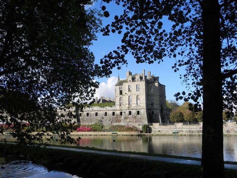 QUINTIN / Kintin Chateau20111019-9364