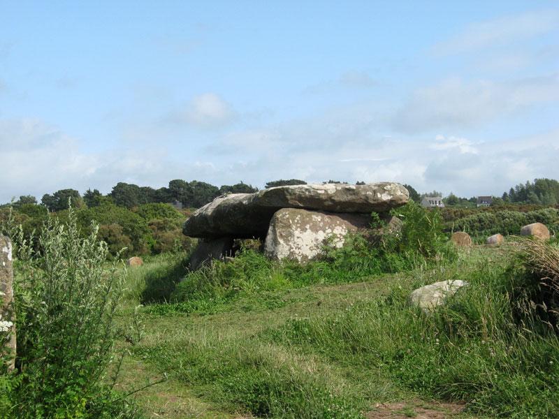 TREGASTEL / Tregastell Kerguntuil-dolmen1607