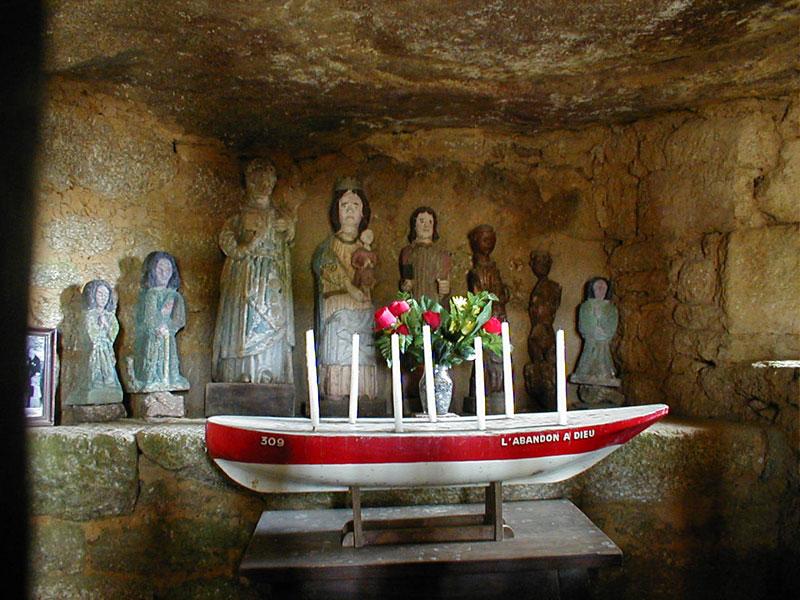 Le culte des Sept Saints Sept-saints-crypte3244