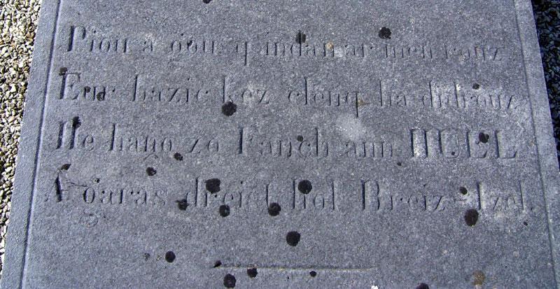 epitaphes bretonnes Luzel-tombe.06.2008b