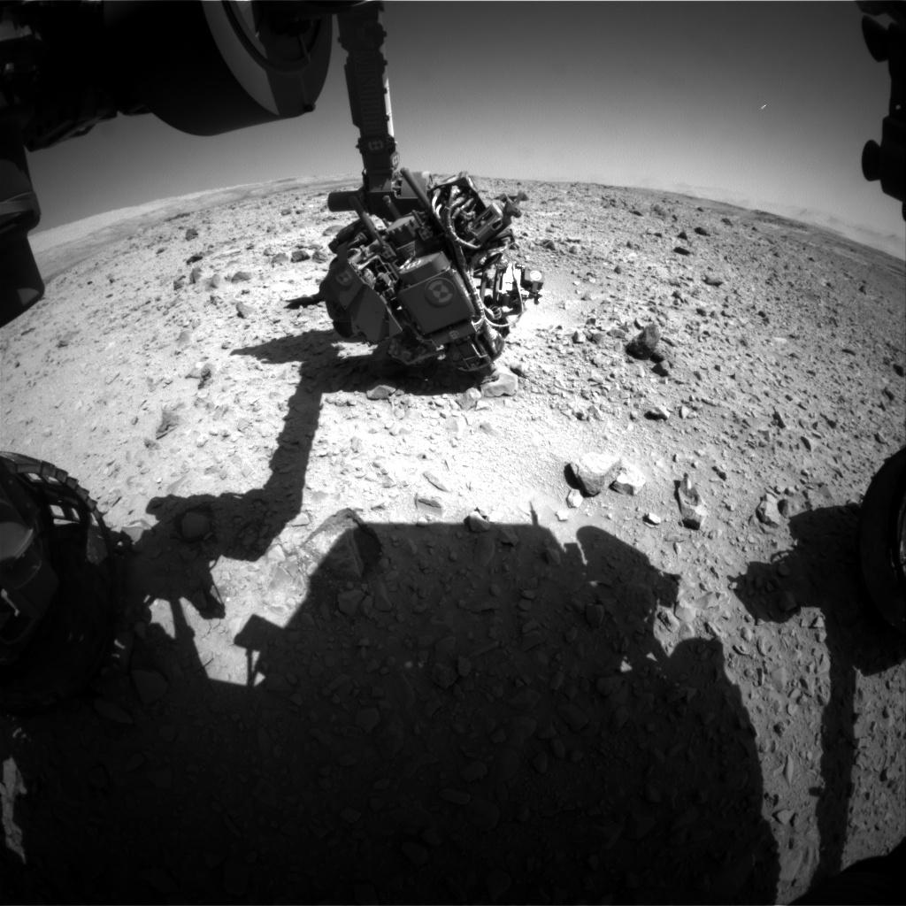 Un OVNI photographié par Curiosity ? FLB_442235847EDR_F0250000FHAZ00323M_