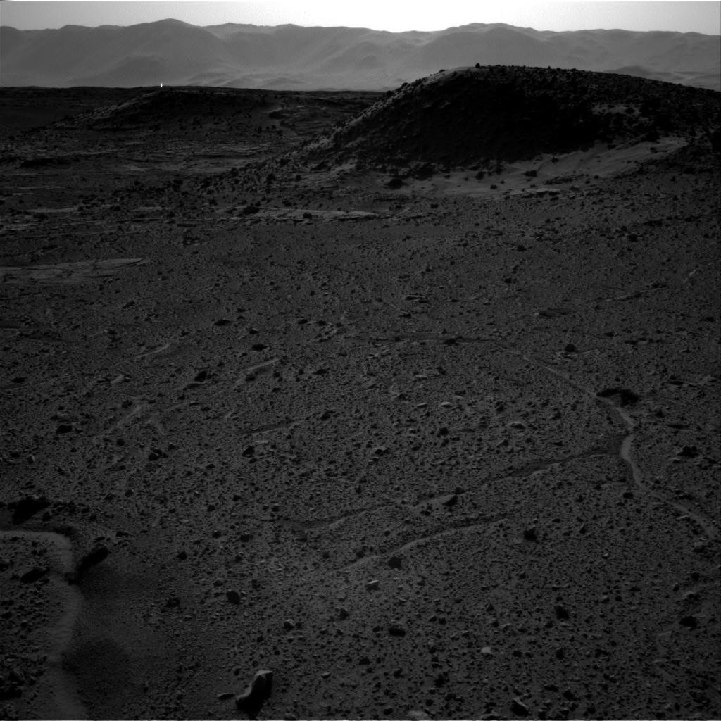 2014: Curiosity : Faisceau lumineux détecté sur Mars? NRB_449790582EDR_F0310000NCAM00262M_