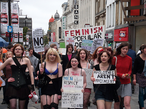 """""""Slutwalk"""" - des femmes protestent contre la stigmatisation des victimes de viol Slutwalk"""