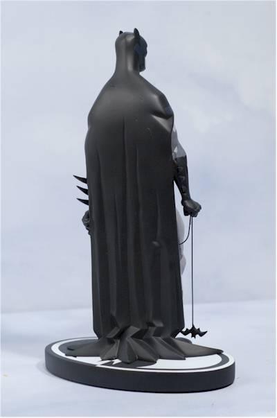 BATMAN BLACK & WHITE #06 : MIKE MIGNOLA Review_migbats_5