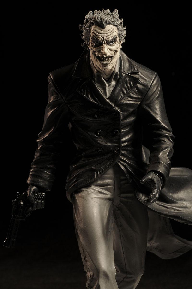 BATMAN BLACK & WHITE VILLAINS #05 : JOKER / LEE BERMEJO Review_bwleejoker_1