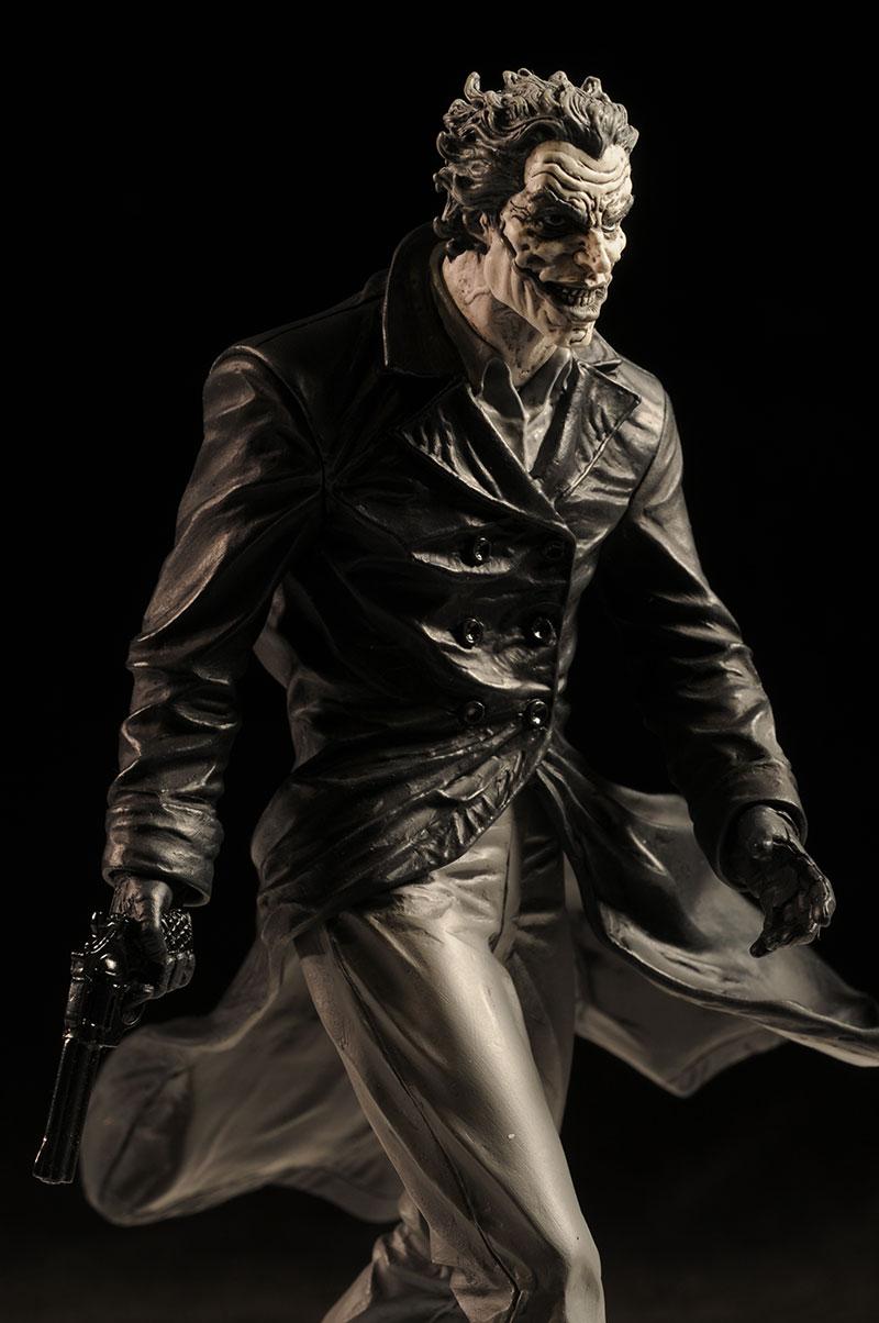 BATMAN BLACK & WHITE VILLAINS #05 : JOKER / LEE BERMEJO Review_bwleejoker_large