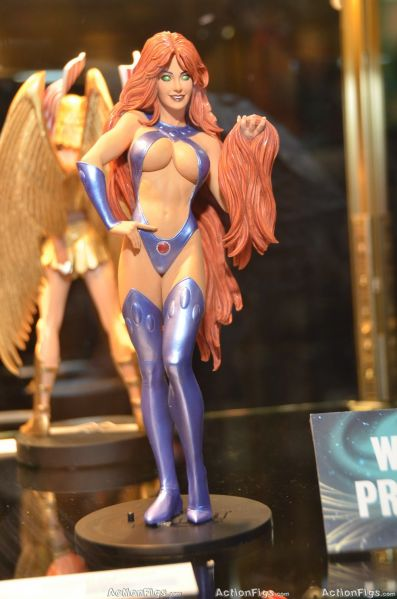 COVER GIRL OF THE DC UNIVERSE : STARFIRE TOY_3156_resize