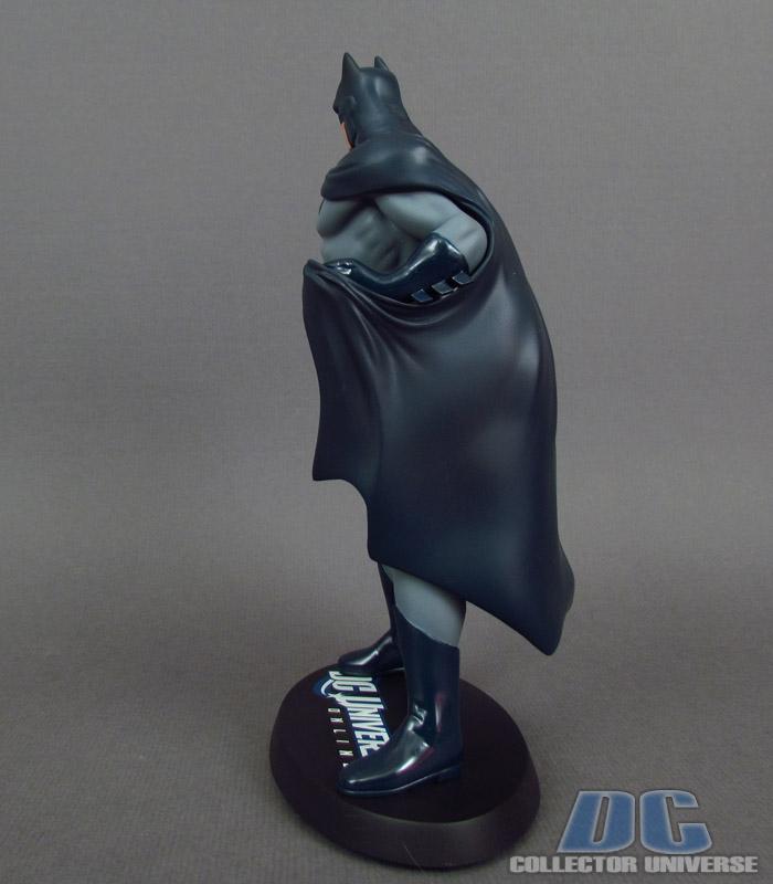 DC UNIVERSE ONLINE STATUE: BATMAN Dc-universe-online-batman-03