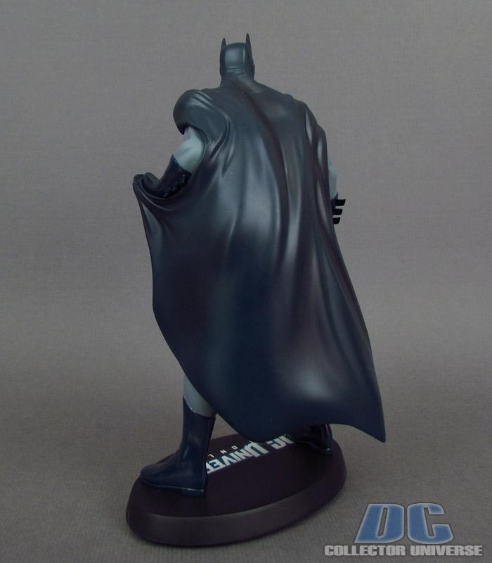 DC UNIVERSE ONLINE STATUE: BATMAN Dc-universe-online-batman-04