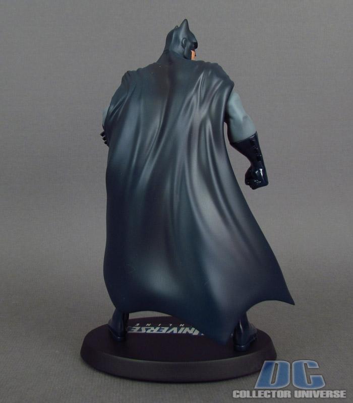 DC UNIVERSE ONLINE STATUE: BATMAN Dc-universe-online-batman-05