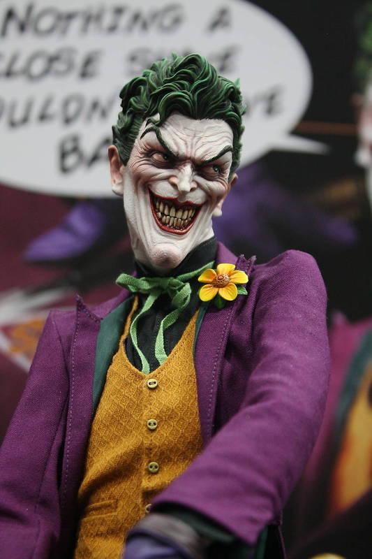 JOKER PREMIUM FORMAT Joker__premium_format_sideshow_comic_con__1_