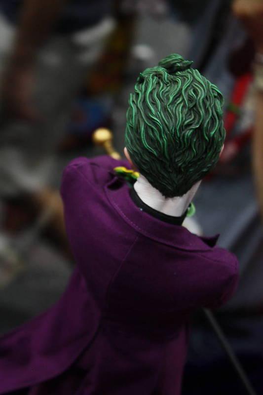JOKER PREMIUM FORMAT Joker__premium_format_sideshow_comic_con__8_